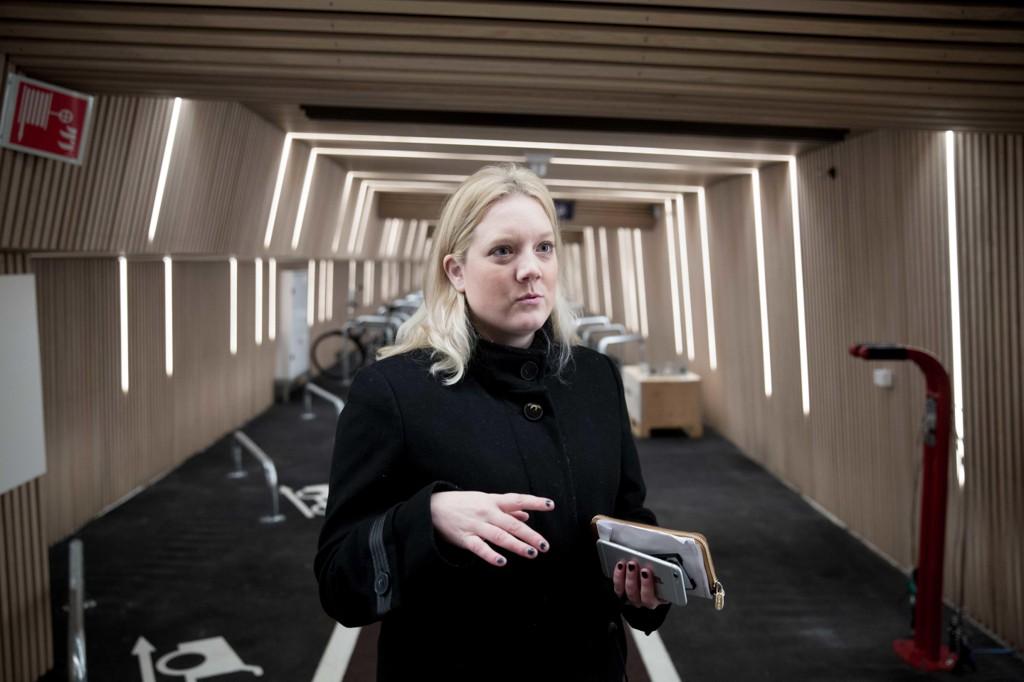 REAGERER: Helsepolitisk talsperson for Fremskrittspartiet i bystyret, Aina Stenersen, synes ikke noe om det nye sykkelhotellet i Oslo.