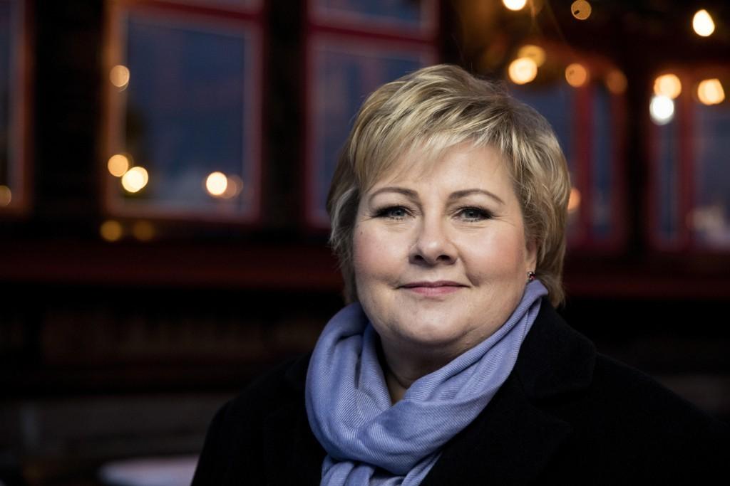 Statsminister Erna Solberg roer ned med familien i bergen i julen, før regjeringsforhandlingene med Venstre starter rett over nyttår.