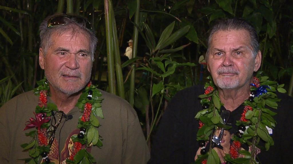STOR OVERRASKELSE: Alan Robinson og Walter Macfarlane fikk en uventet julegave da bestevennene gjennom flere årtier oppdaget at de egentlig er brødre.