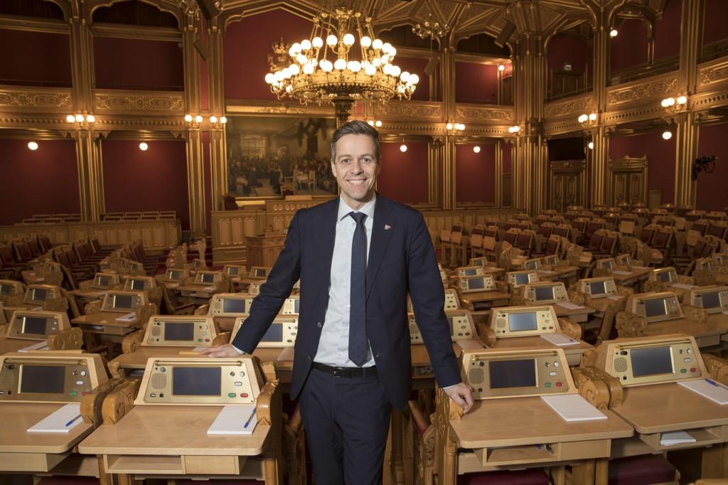 REGJERINGSFORHANDLINGER: Knut Arild Hareide, leder av Krf, vil ikke gå i regjeringsforhandlinger selvom venstre gjør det.