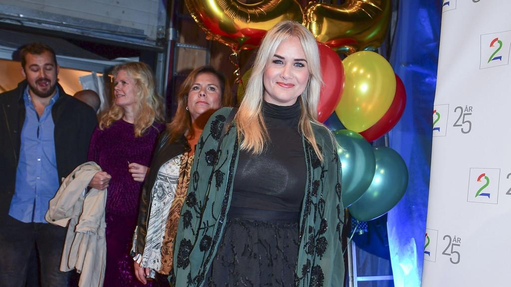 KJÆRLIGHETEN SMILER: Julie Strømsvåg har fått seg ny kjæreste.