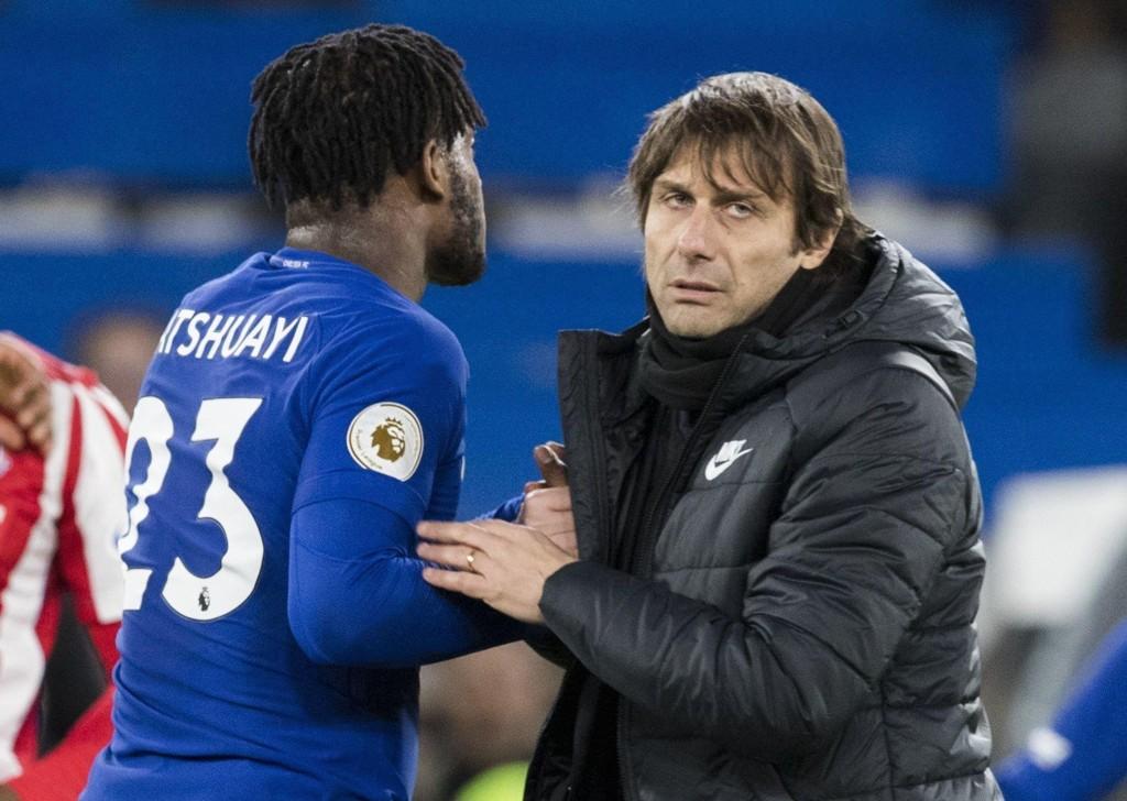 PÅ VEI VEI: Antonio Conte skal ha åpnet for å selge spissen Michy Batshuayi i vinter, om spissen selv ønsker seg bort.