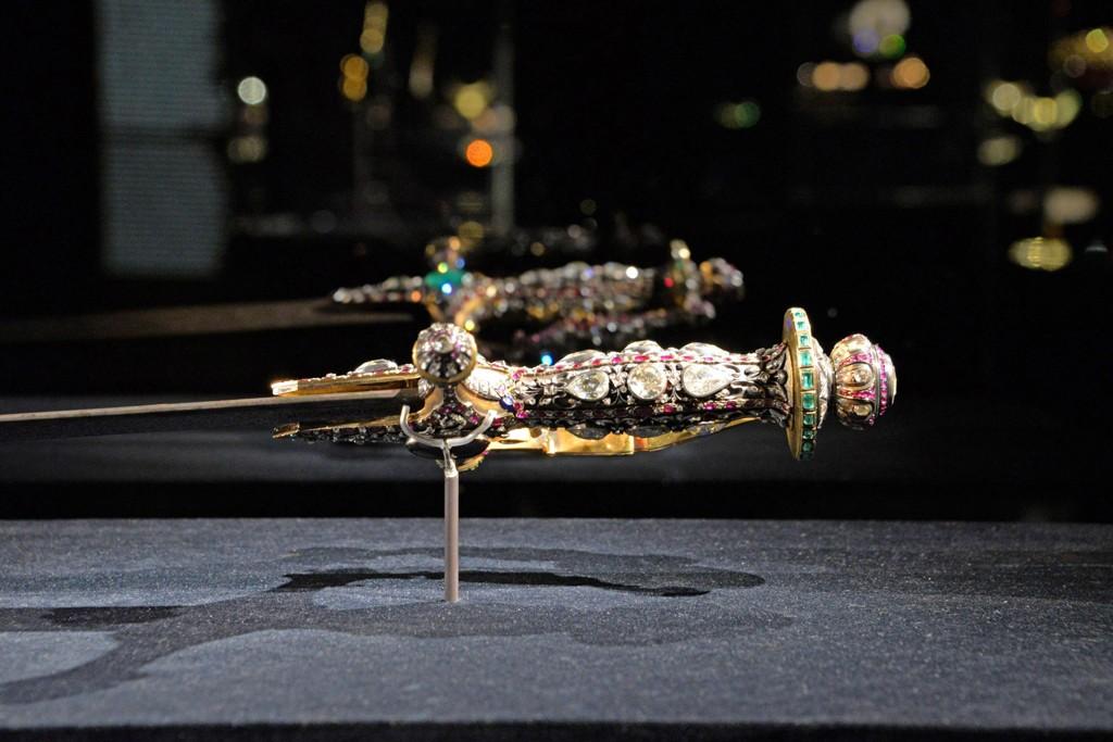 STJÅLET: Deler av Al Thani-samlingen på utstillingen i Dogepalasset i Venezia. To svært verdifulle gjenstander ble mandag stjålet fra utstillingen.