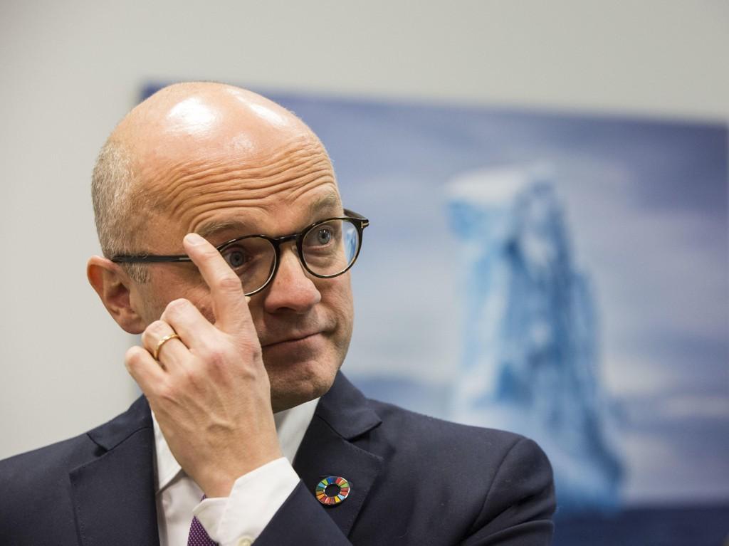 Klima- og miljøminister Vidar Helgesen får fredag svaret om ulvejakten kan fortsette.