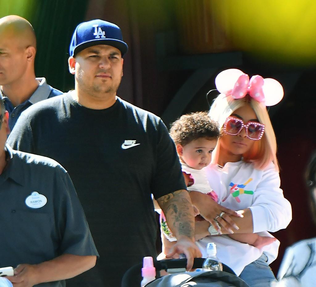 Rob Kardashian feirer farsdagen sammen med Blac Chyna og datteren Dream i fjor.