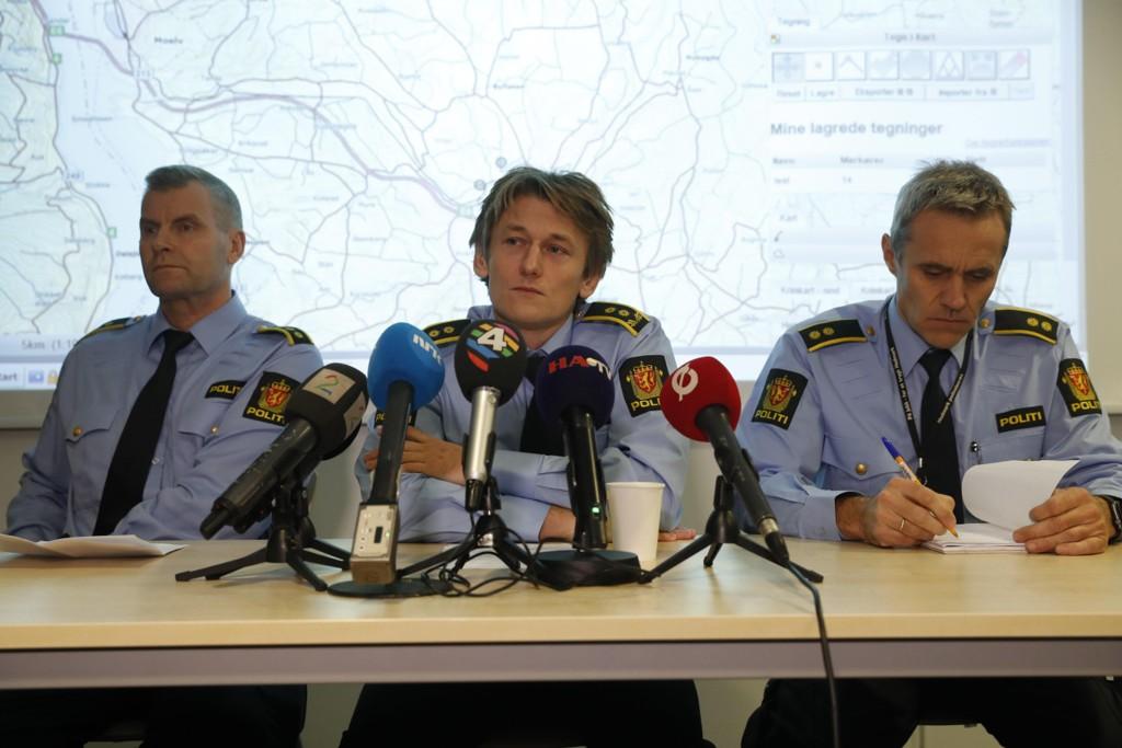 Politiet i Brumunddal holdt mandag pressekonferanse om den forsvunnede Janne Jemtland.