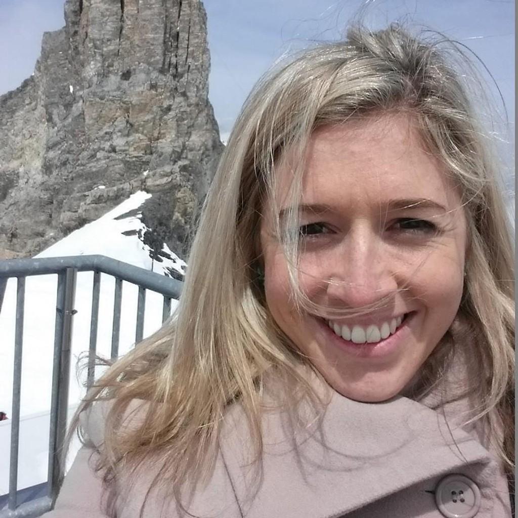 KREFT: Holly Buthcher (27) døde av kreft. Nå går hennes råd til hvordan man bør leve livet viralt.