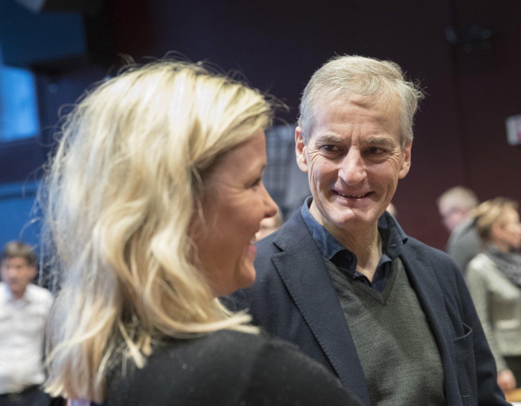 Generalsekretær Kjersti Stenseng og partileder Jonas Gahr Støre i Arbeiderpartiet på Bratteli-seminaret i Oslo onsdag morgen.