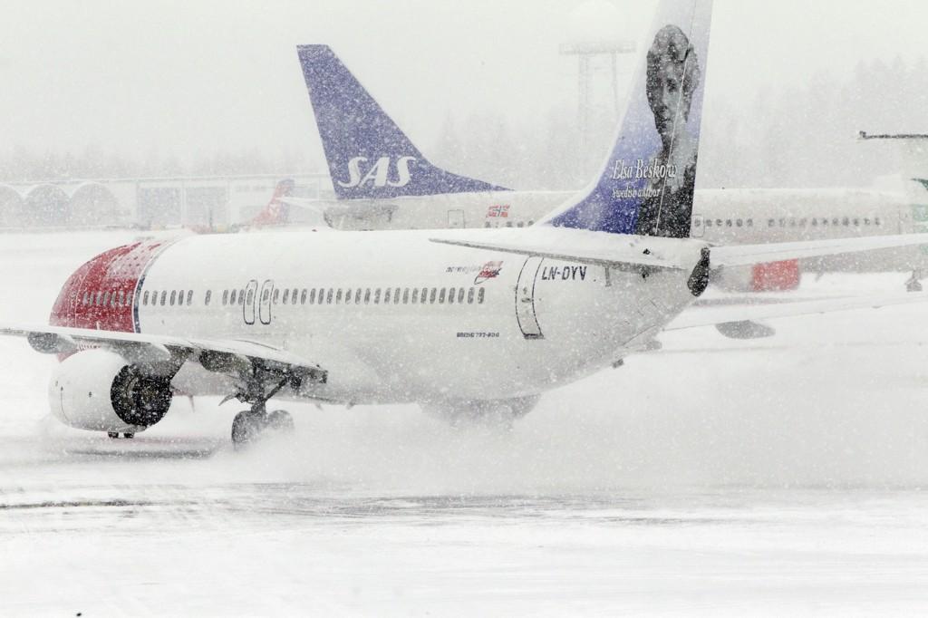 STERK VEKST: Flytrafikken bare øker på Gardermoen, og nå vil flyplassen bruke over 20 milliarder kroner på en ny rullebane.