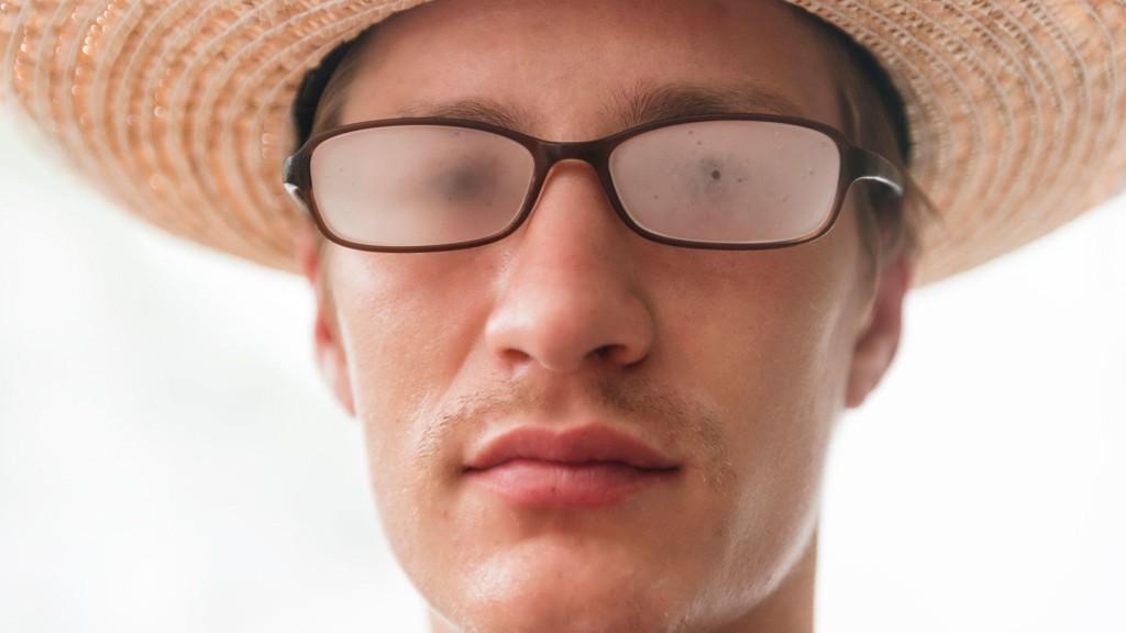 Å bruke briller er ingen spøk. Damp kan gjøre oss brilleslanger «blinde» i løpet av sekunder.