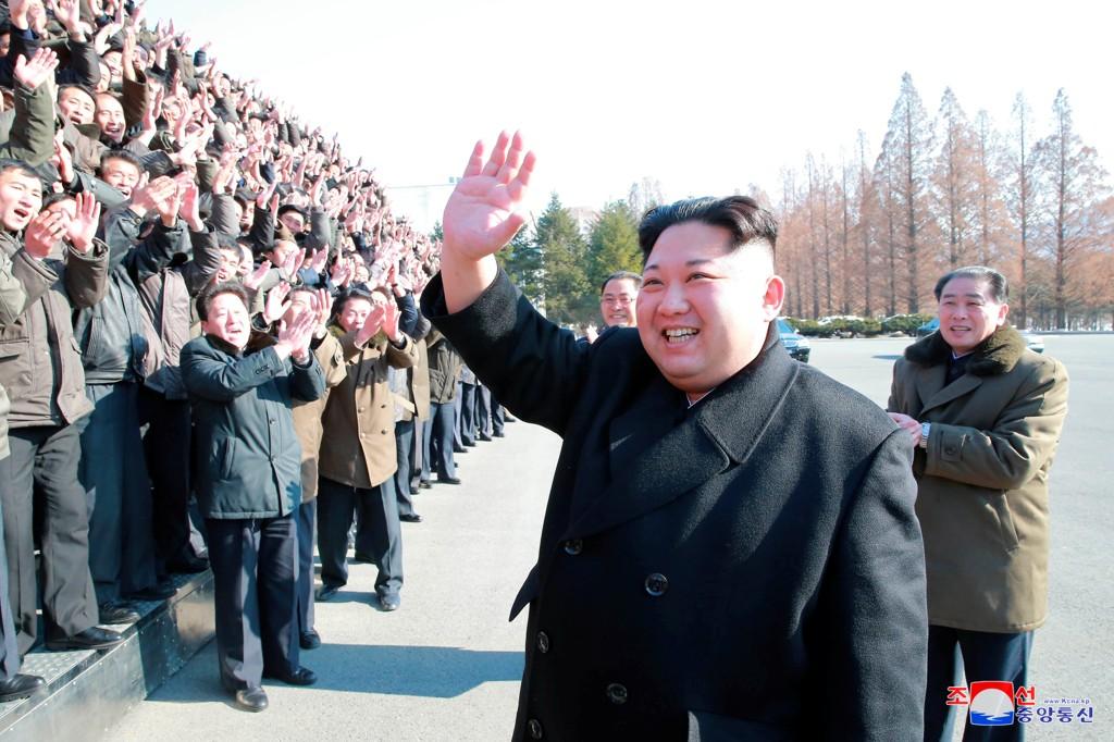 Nord-Koreas leder Kim Jong-un hylles av sitt folk.