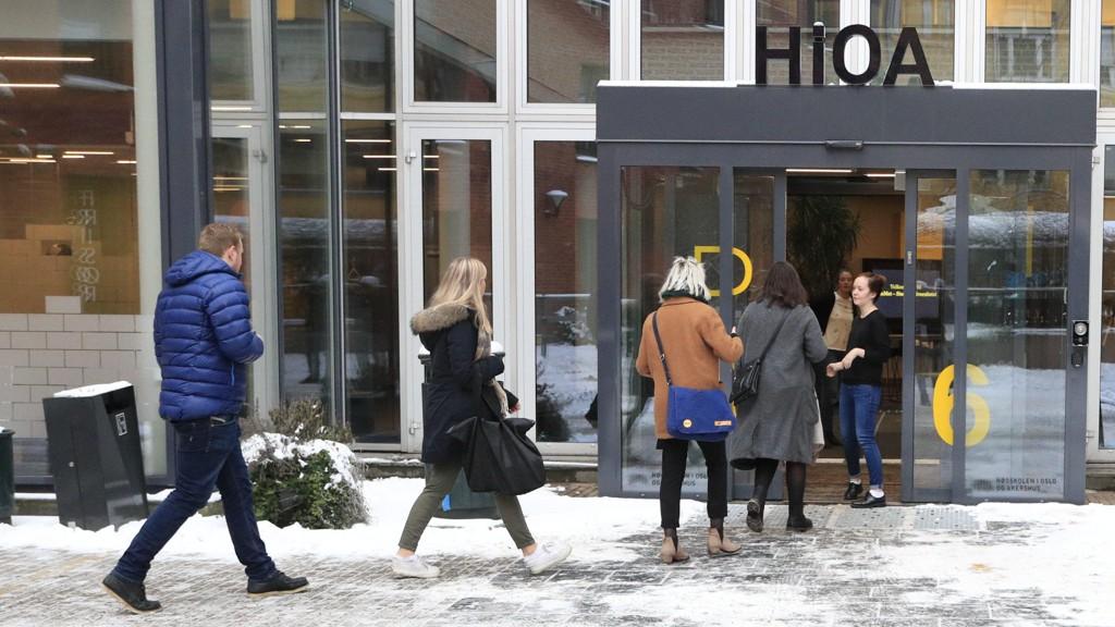 Oslo 20180113. Unge Høyre har flydd inn alle fylkeslederne inn til hovedstaden for krisemøte lørdag formiddag. Foto: Torstein Bøe / NTB scanpix