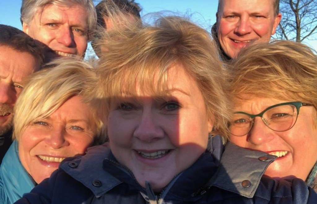 Finansminister og Frp-leder Siv Jensen, statsminister og Høyre-leder Erna Solberg og Venstres leder Trine Skei Grande møter pressen søndag ettermiddag etter to uker med forhandlinger om en regjeringsplattform.