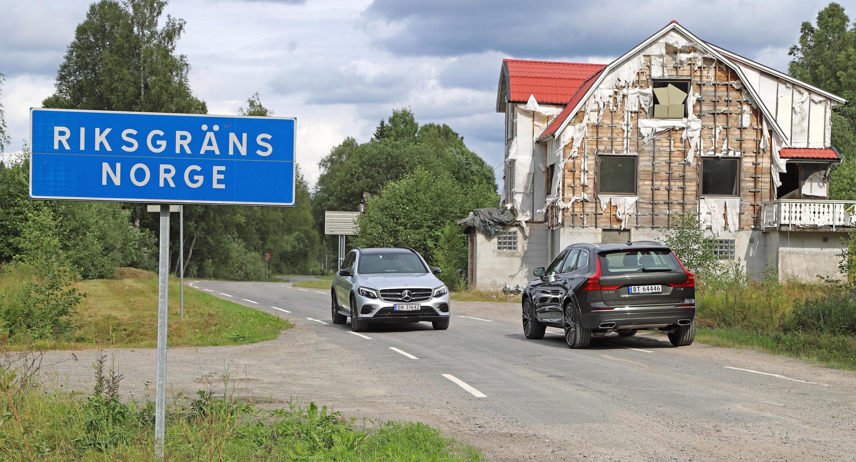 GRENSESKILLE: Velkommen til Norge, Volvo XC60! Her får du møte velstand og ruin, og den silkesmidige Mercedes GLC.