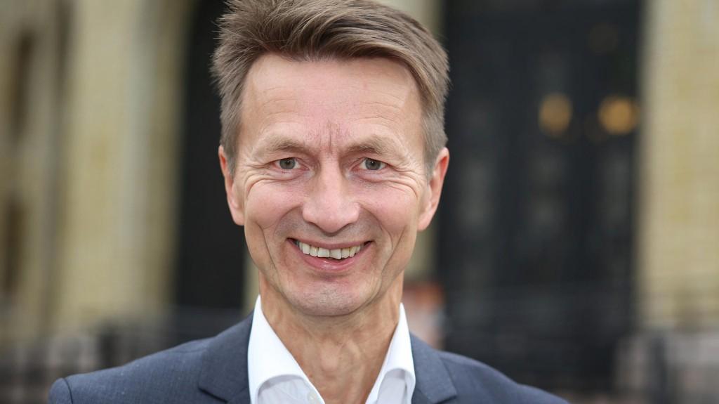 GÅR AV: Sekretariatsleder Hans Kristian Amundsen for Arbeiderpartiets stortingsgruppe.