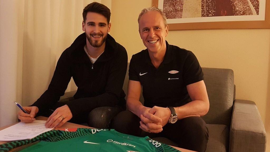 NY KEEPER: Samuel Sahin-Radlinger skal vokte Brann-målet i 2018-sesongen