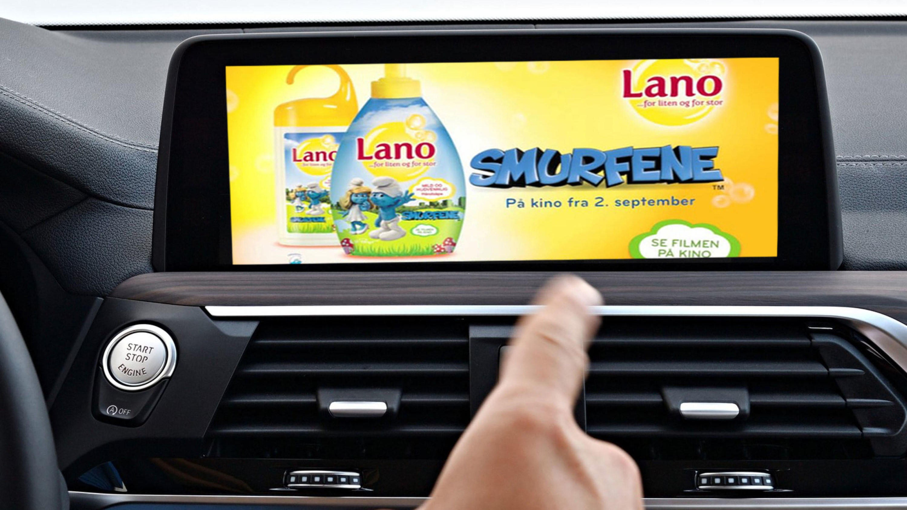 VIL TJENE MER: Flere bilprodusenter vil tjene penger på å vise tilpasset reklame i bilen. BMW testet teknologien allerede for flere år siden. Illustrasjonsfoto.