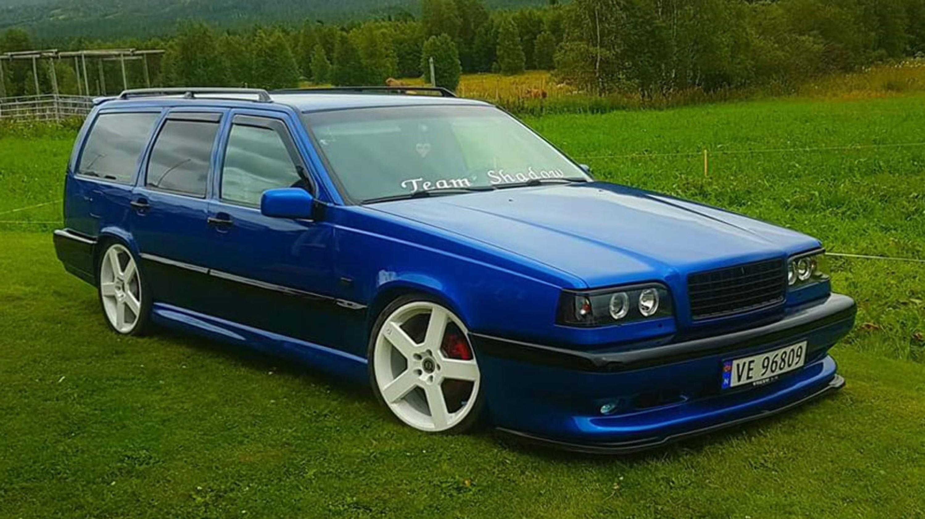 Slik ser Volvoen til Ida ut nå - etter en rekke uhell.
