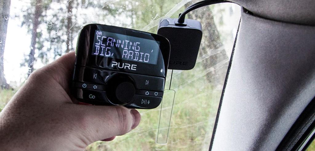 I løpet av fjoråret har rundt 10 millioner FM-radioer blitt nesten verdiløse etter at de tre store radiogigantene NRK, Bauer Media og P4 skrudde av FM-sendingene sine og DAB-overgangen var et faktum. Det har ført til betydelige endringer i lyttertallene.