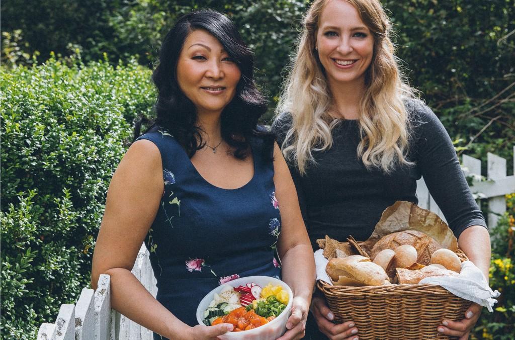 Klinisk ernæringsfysiolog Mari Borge Eskerud (til høyre) og pasient, forfatter og foredragsholder Cecile Ågotnes kommer med sine gode råd for en bedre hverdag med irritabel tarm.