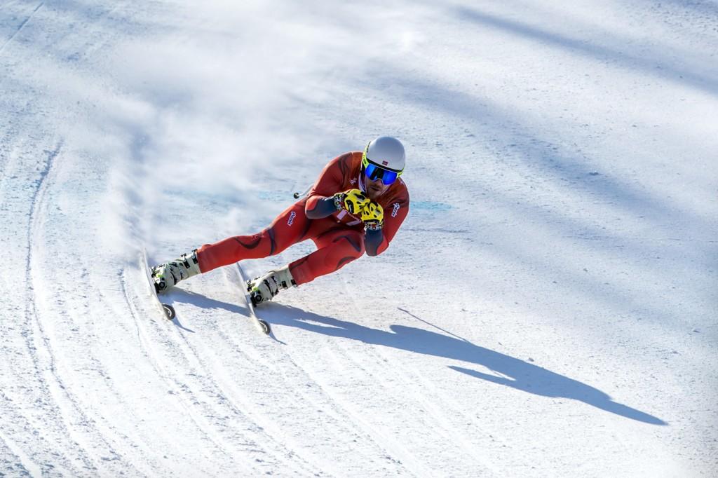 SMELTER: Snøen i OL-løypa får skiene til Kjetil Jansrud til å smelte.