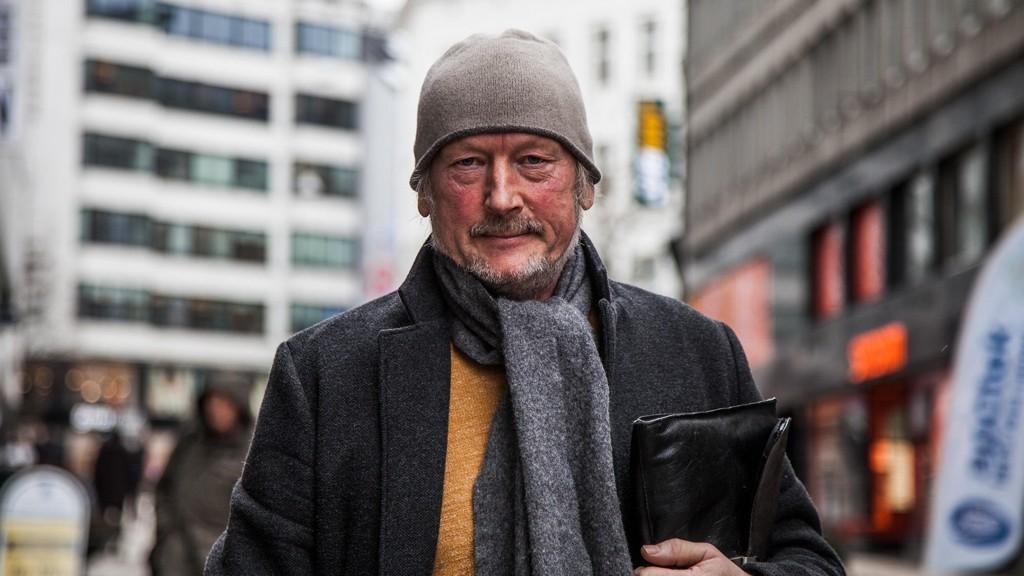 Tidligere prosjektdirektør for Oslos prestisjeprosjekt Bilfritt byliv Hans Edvardsen har fått sparken av Oslo kommune. Han mener han ble dolket i ryggen.
