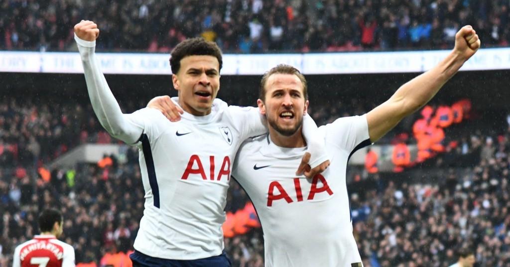 VANT: Dele Alli og Harry Kane jubler etter at sistnevnte sendte Tottenham i ledelsen mot Arsenal.