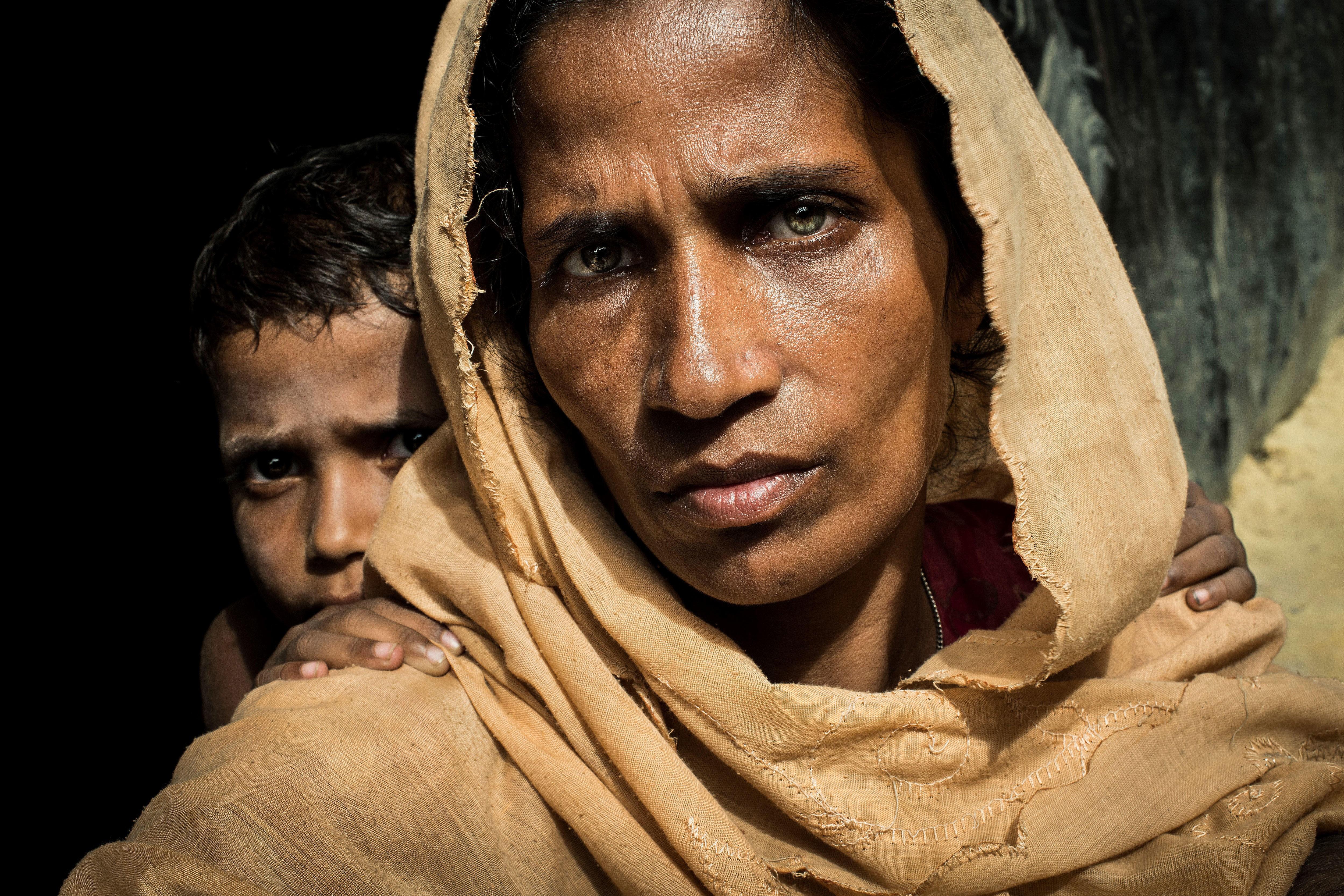 INTENST BLIKK: Kvinnens intense blikk fanget fotograf Asger Ladefoged med det samme. Bildet har nå vunnet pris for beste portrett i verdens eldste fotojournalistiske kåring.