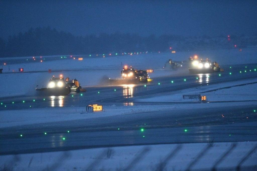 Klokka 07.30 onsdag morgen var 16 avganger rammet av værproblemene på Bergen lufthavn.