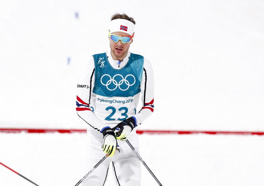 SKUFFET: Jørgen Graabak måtte se medaljesjansene fly vekk med vinden.