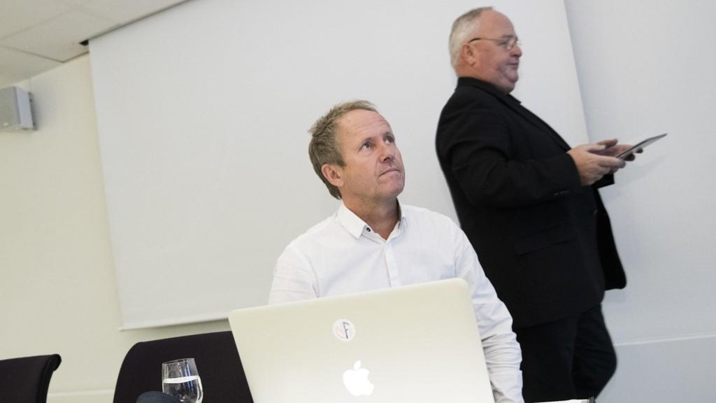 NY STRUKTUR: NFFs pressetreff med fotballpresident Terje Svendsen (t.h.) og generalsekretær Pål Bjerketvedt på Ullevaal stadion.