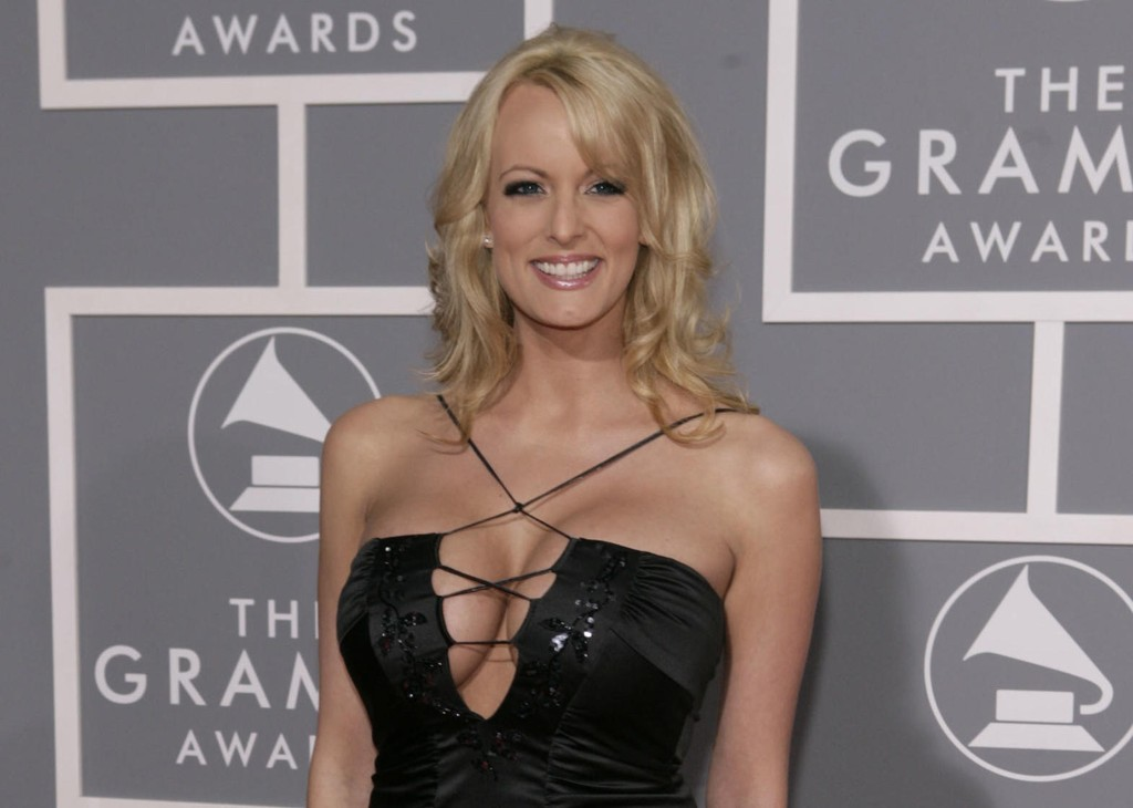 Pornostjernen Stormy Daniels, som egentlig heter Stephanie Clifford, fotografert under Grammy-utdelingen i Los Angeles i 2007.
