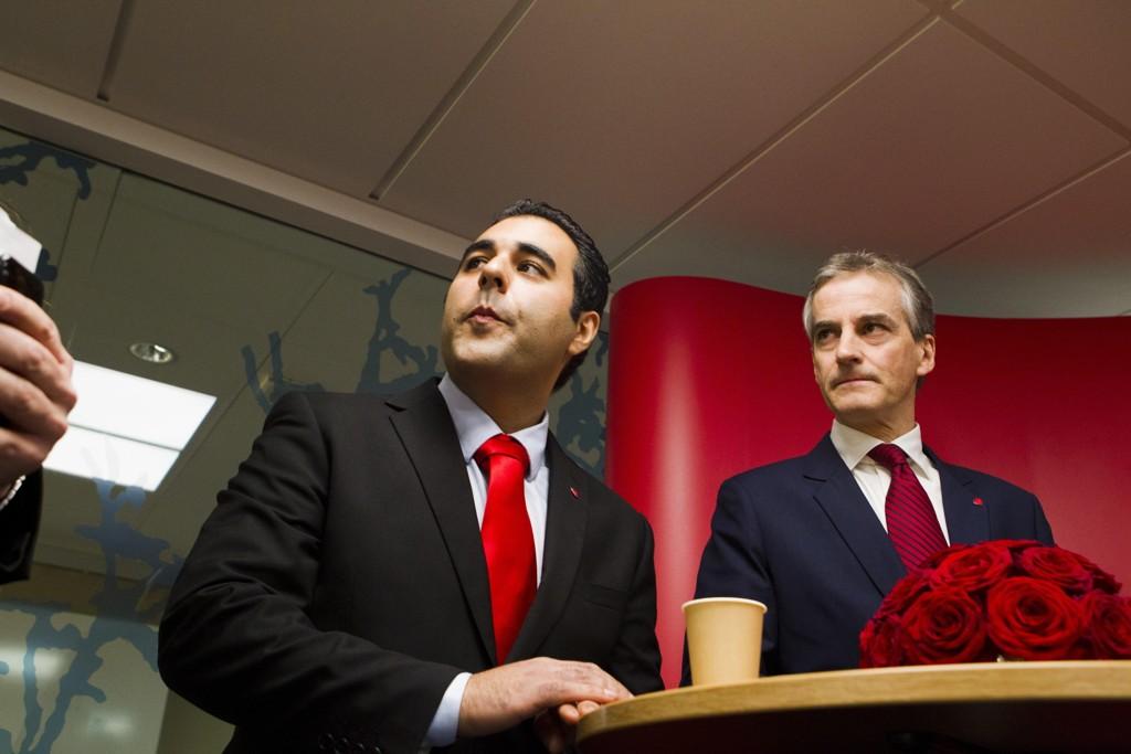 Jonas Gahr Støre (t.h.) og Masud Gharahkhani under Arbeiderpartiets landsmøte.