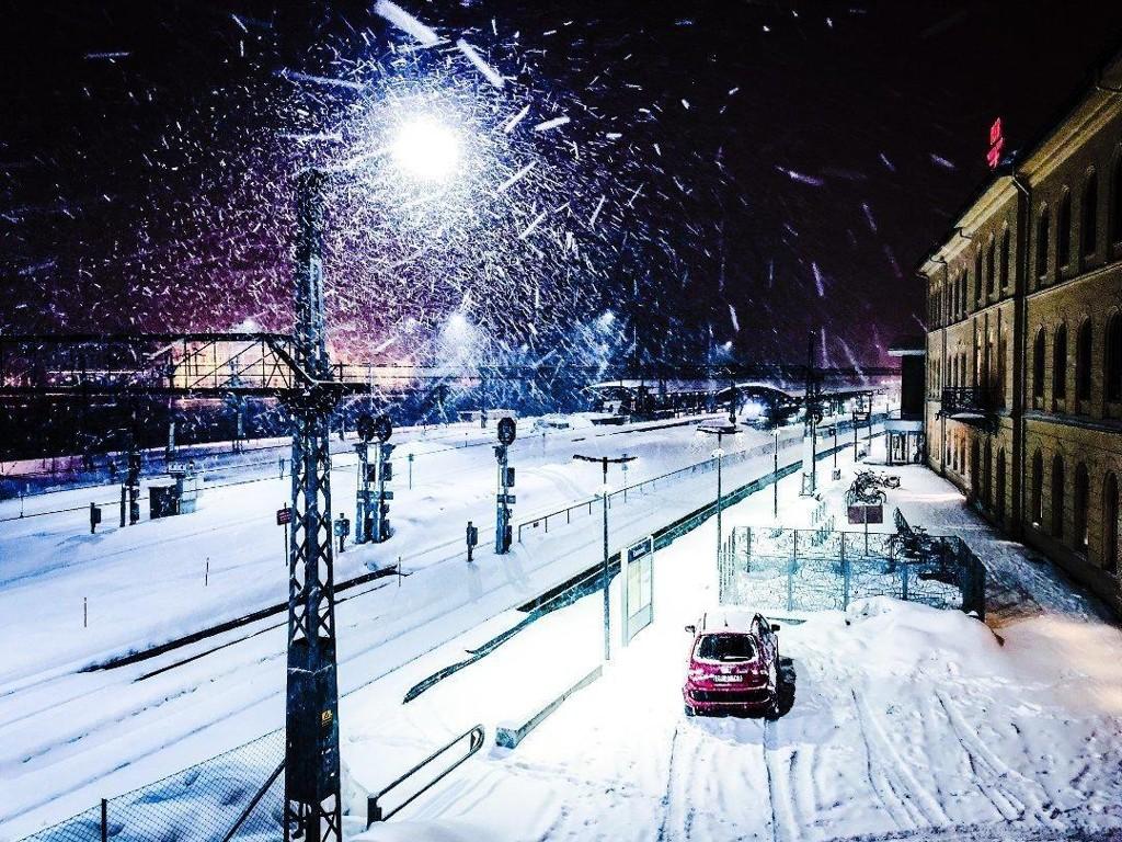 MER SNØ: Forbered deg på et nytt snøfall torsdag, da er det ventet opp til 15 centimeter snø. Foto: Rolf-Martin Hansen