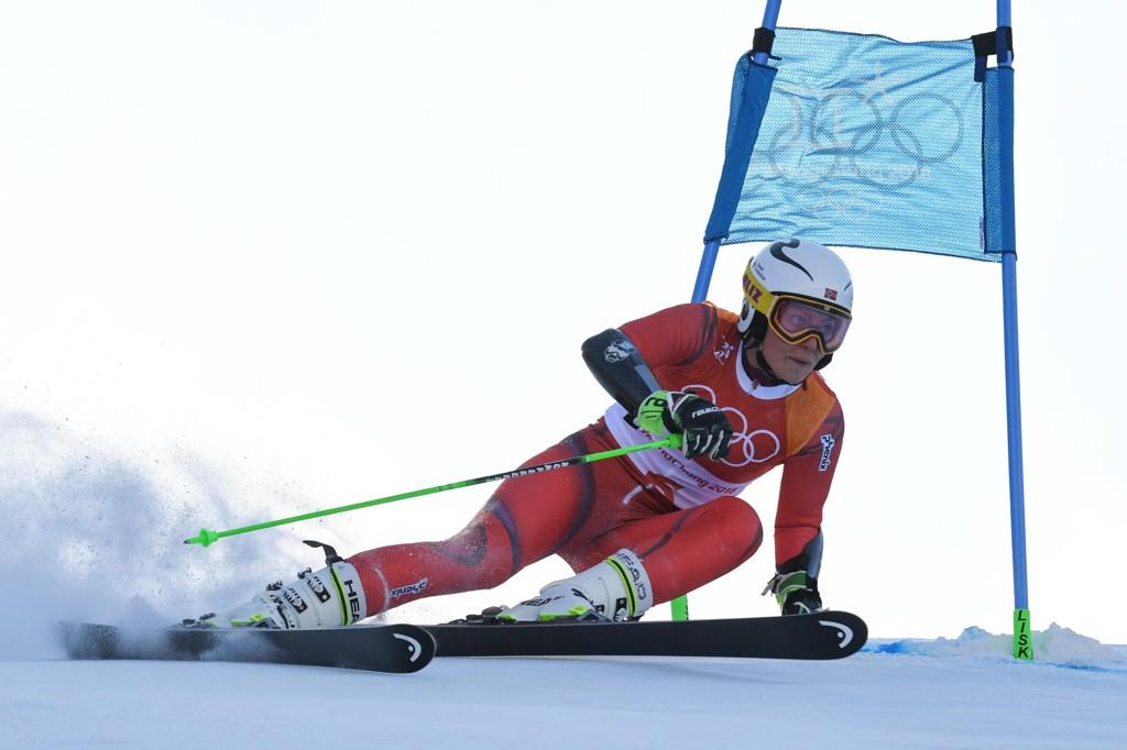 JAKTER MEDALJE: Ragnhild Mowinckel er fortsatt med i kampen om en medalje etter førsteomgangen av storslalåmrennet i Pyeongchang.