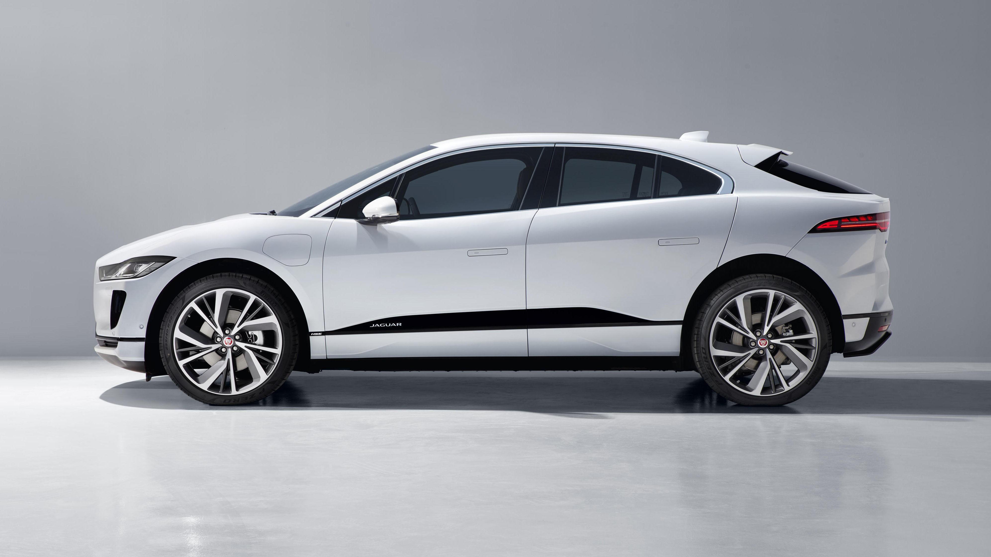 SLIK SER I-PACE UT: Jaguar avduket produksjonsmodellen av sin første elbil I-Pace den 1. mars 2018. Bilen er svært lik konseptmodellen som ble avduket i november 2016.
