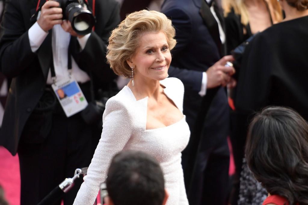 Jane Fonda fikk alle til å måpe da hun dukket opp på den røde løperen under Oscar-utdelingen og helt enkelt så ut som en gudinne.