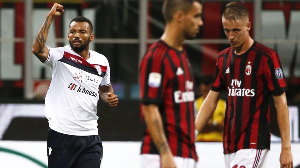 TESTET POSITIVT: Joao Pedro (t.v.) har avlagt positiv dopingprøve. Her feirer han scoring mot AC Milan.