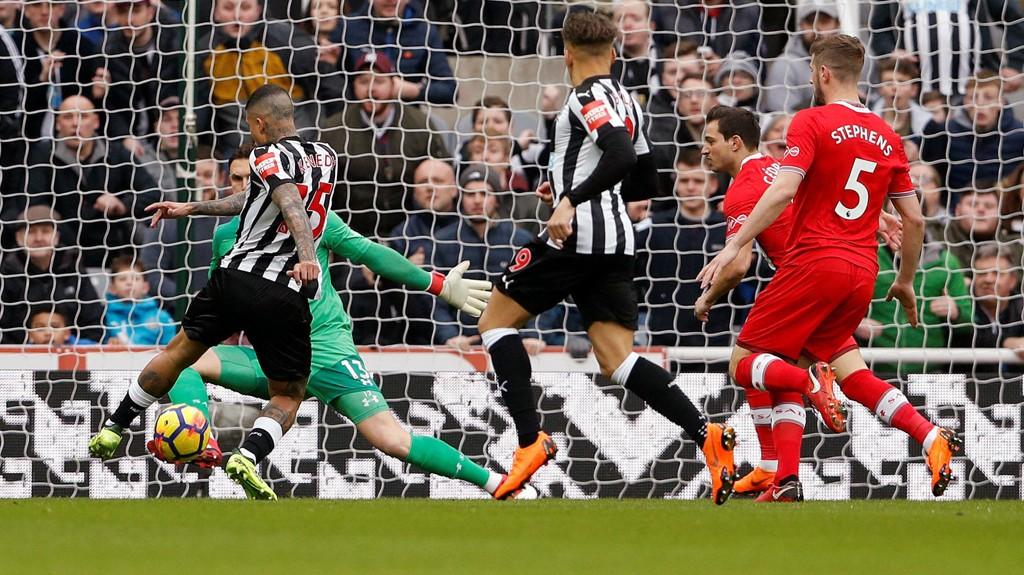 UTSØKT SCORING: Kenedy stod for kampens store høydepunkt mot Southampton.
