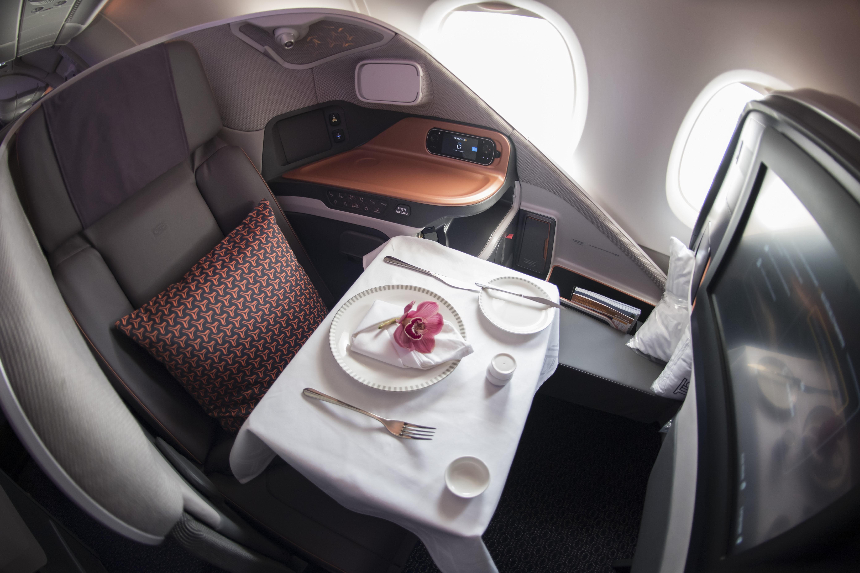 OPPGRADERT: Få ting om noe er så deilig å bli oppgradert fra økonomiklasse til businessklasse. SAS avslører at det er lettere enn man skulle tro - og billigere. Her et bilde fra Singapore Airlines buisnessklasse.
