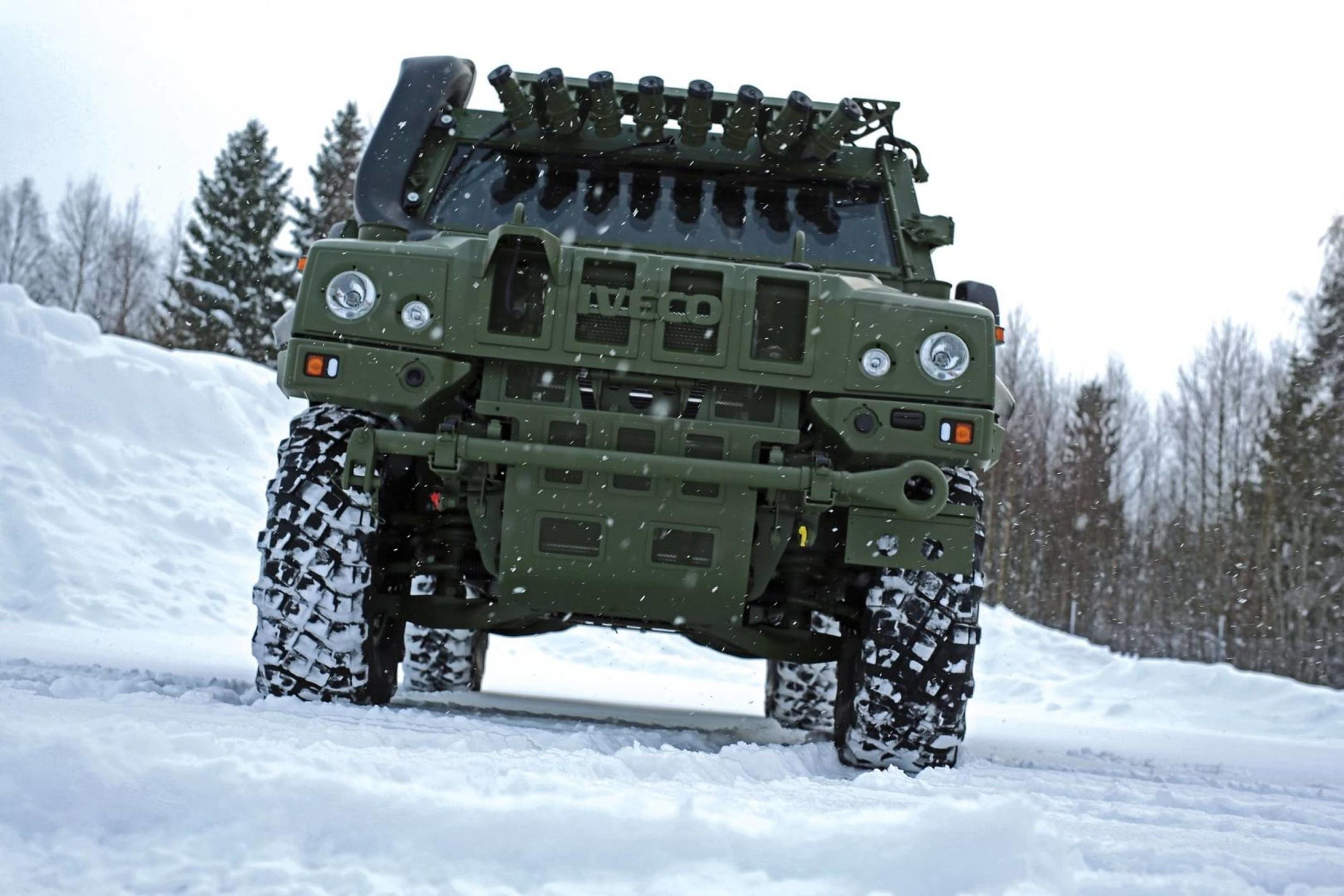 Iveco LMV (light multirole vehicle) startet utviklingen i 1999 og produksjonen startet i 2004.
