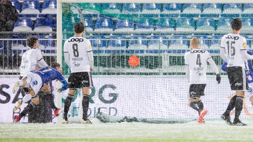 HELTEN: Kristoffer Zachariassen stanget inn scoringen som senket Rosenborg.