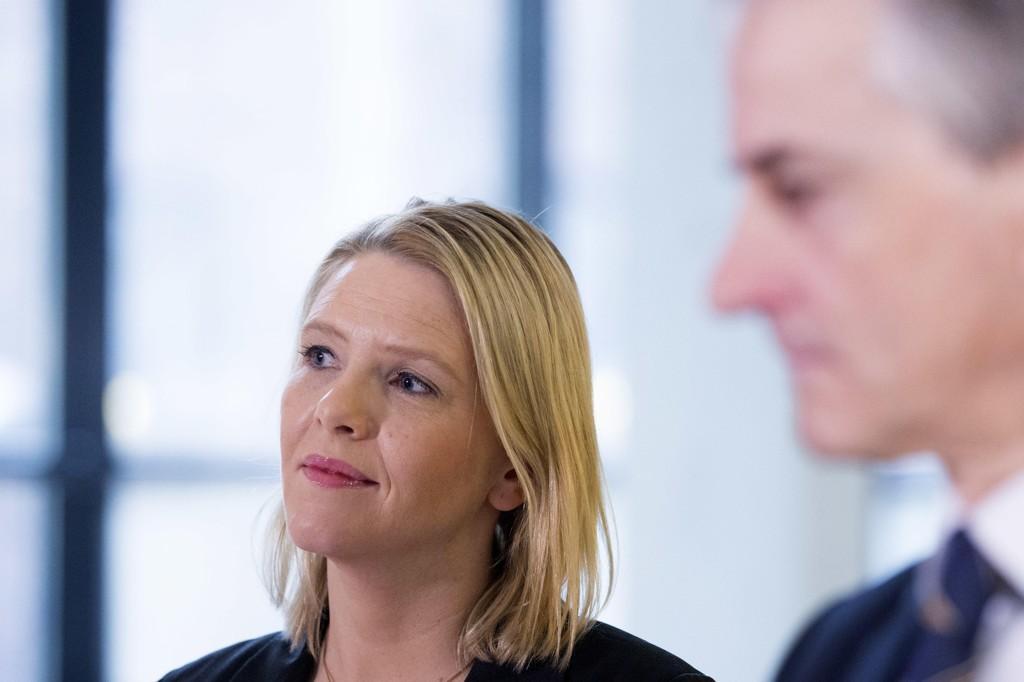 Justisminister Sylvi Listhaug(FrP)og Ap-leder Jonas Gahr Støre etter et møte om innstramminger i asylpolitikken i 2016. Foto: Håkon Mosvold Larsen / NTB scanpix