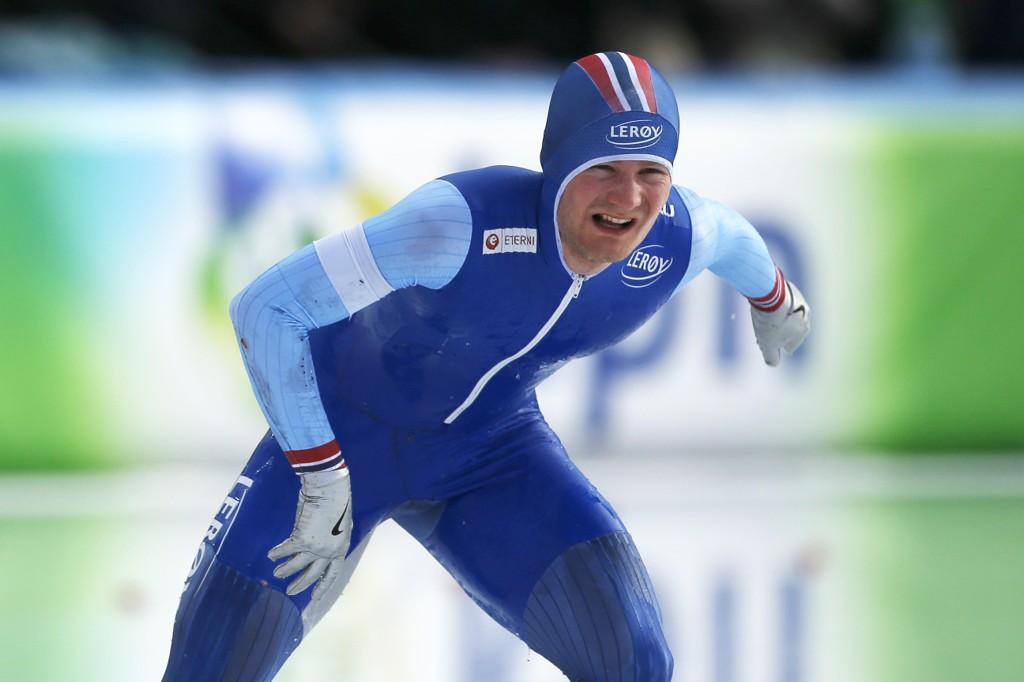 Sverre Lunde Pedersen falt fra gullet i allround-VM i Nederland søndag.