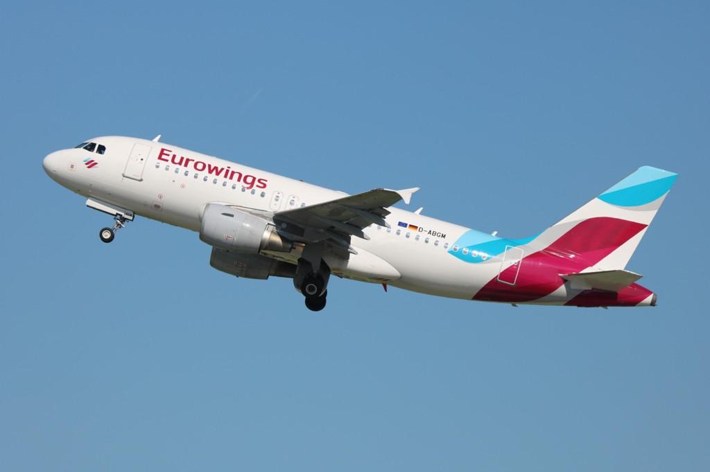 ØKER: Eurowings tar av.