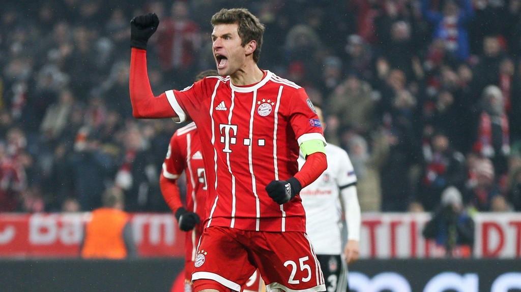 Thomas Mueller scoret to av målene for Bayern München i hjemmemøtet mot Besiktas der Bayern vant 5-0.