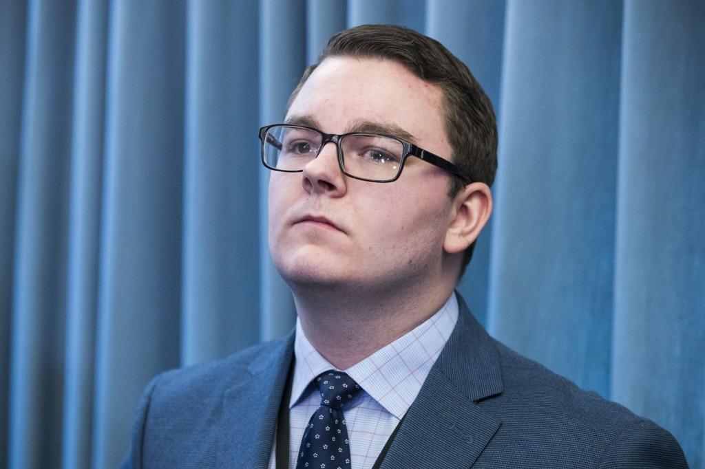 TREKKER SEG: - Jeg går av med statsråden. Dette er ikke noe jeg har valgt, sier Espen Teigen.