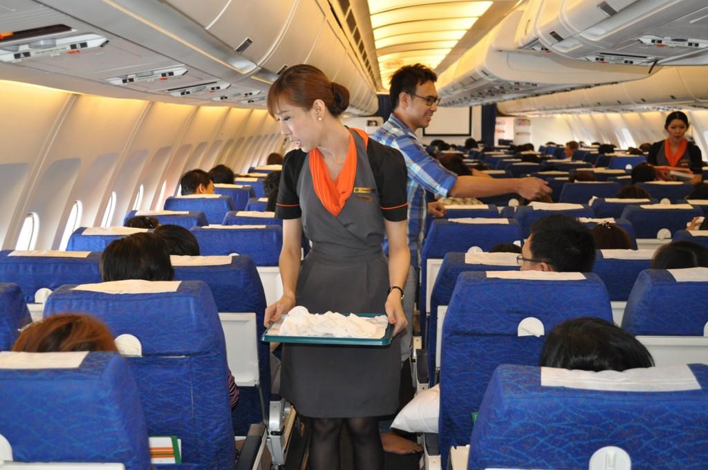 Det er relativ lav risiko for å pådra seg luftveisinfeksjoner gjennom smitte fra andre smittsomme passasjerer om bord i et fly, dersom man ikke sitter i umiddelbar nærhet til den syke, viser en ny amerikansk studie (akrivbilde).