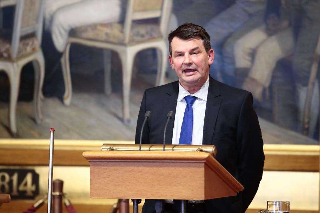 Hva justisminister Tor Mikkel Wara mente for 25 år siden er relativt lite interessant.