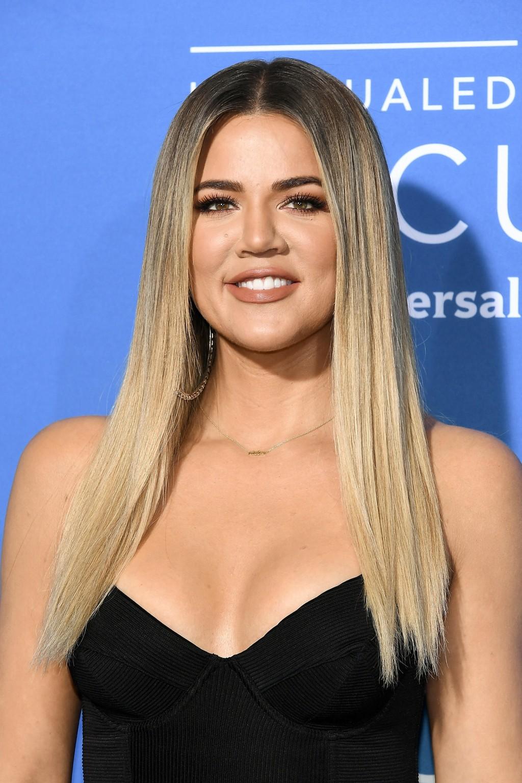 Ifølge flere medier har Khloe Kardashian og Tristan Thompson blitt foreldre til en liten jente.